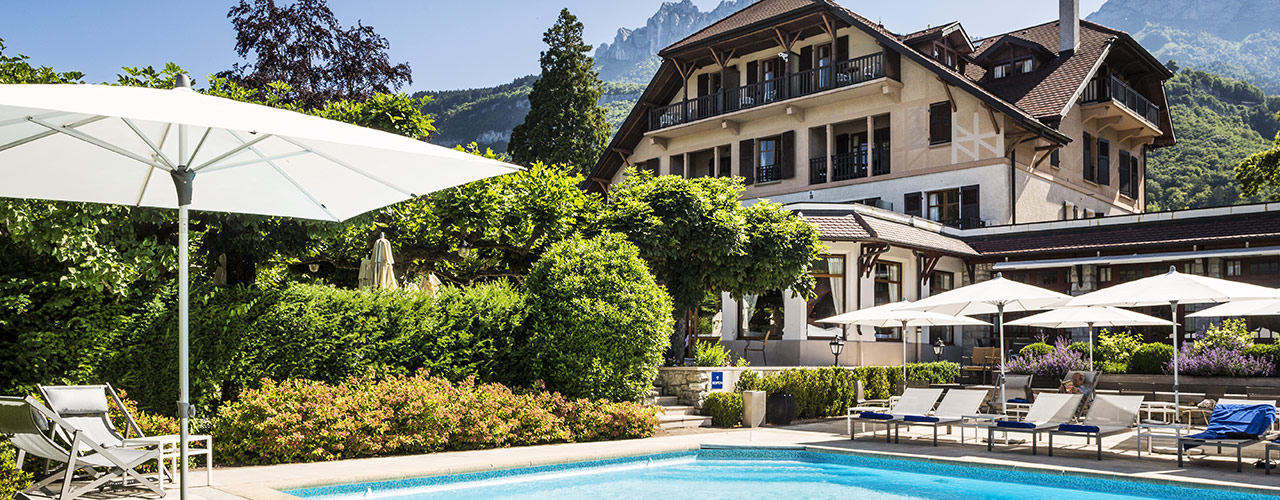 Hotels in talloires hotel cottage bise talloires hotels hotels in annecy for Lake annecy hotels swimming pool