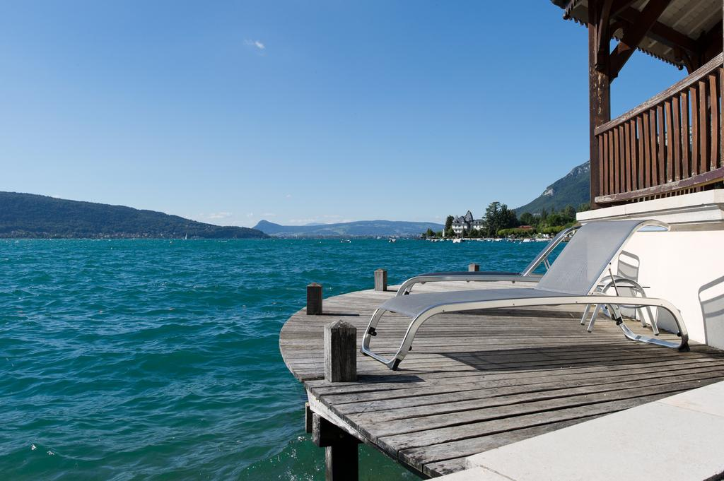 Palace de menthon 4 star hotel lake annecy lakeside hotels annecy for Lake annecy hotels swimming pool