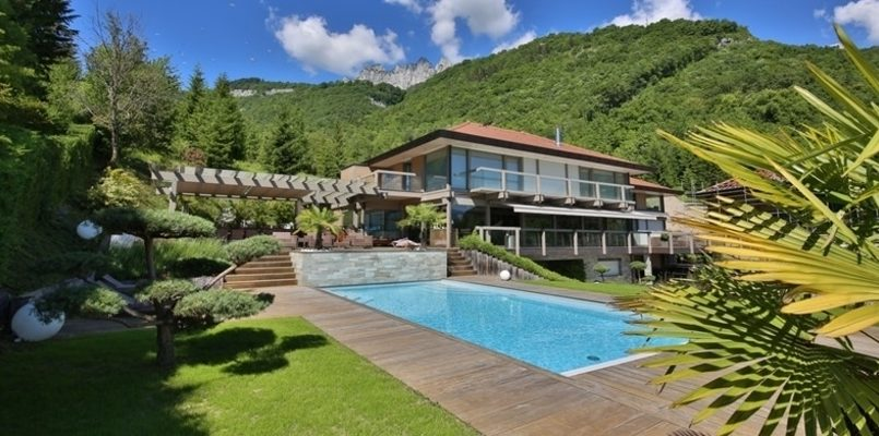 Villas with Pools in Annecy