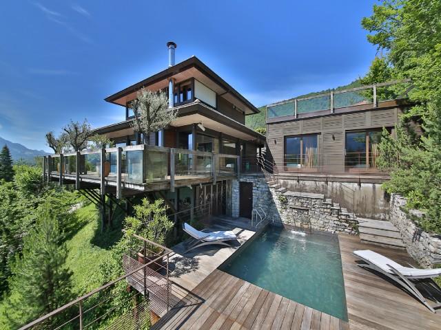 luxury villa in lake annecy